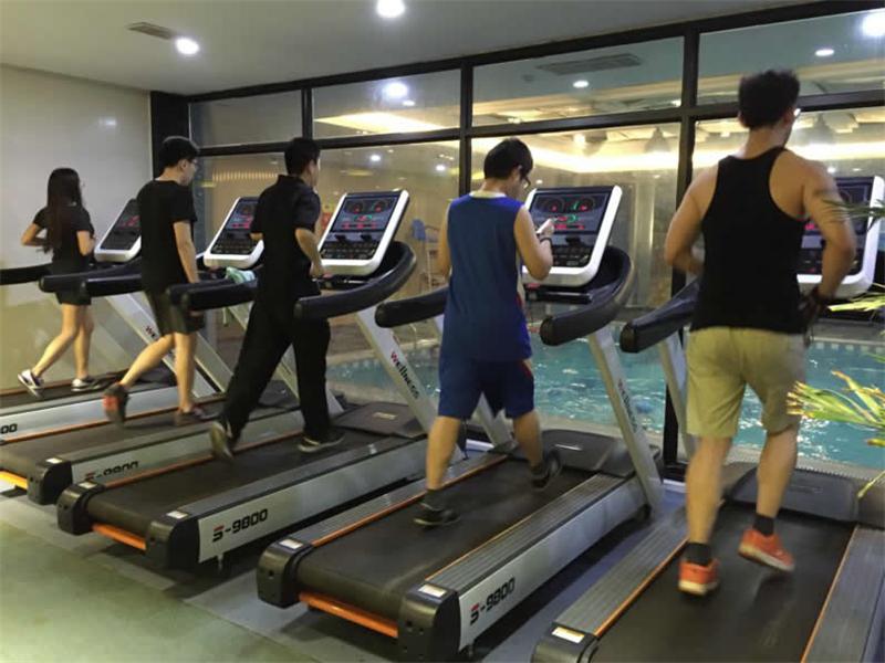 健身房跑步机维修